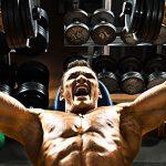 筋肉を付ける(筋肥大)のに効果的なプロテインの種類と飲み方。摂取タイミングを知って、筋トレ効果を最大化しよう!